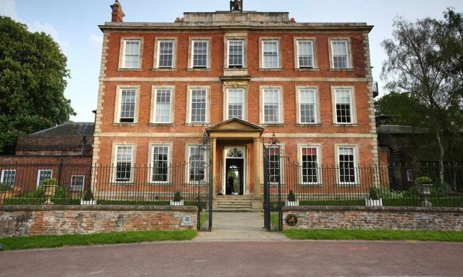 northern-niche-boutique-hotels-1-middlethorpehall-1